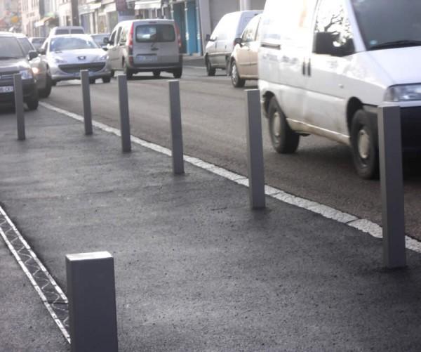 Poteau anti-stationnement fixe
