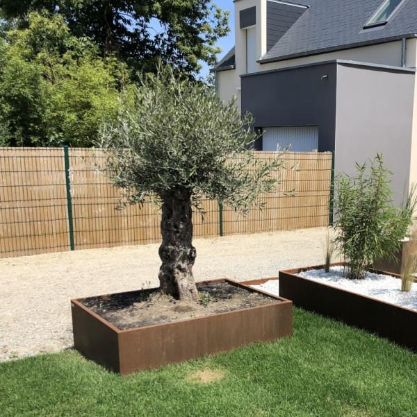 Jardinière pour espaces publics