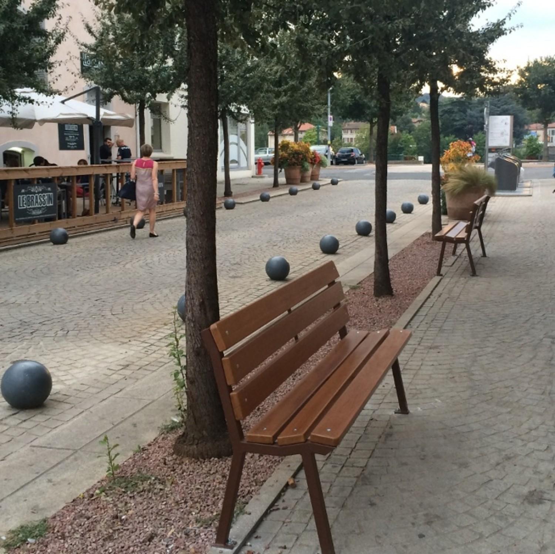 Banc de jardin public