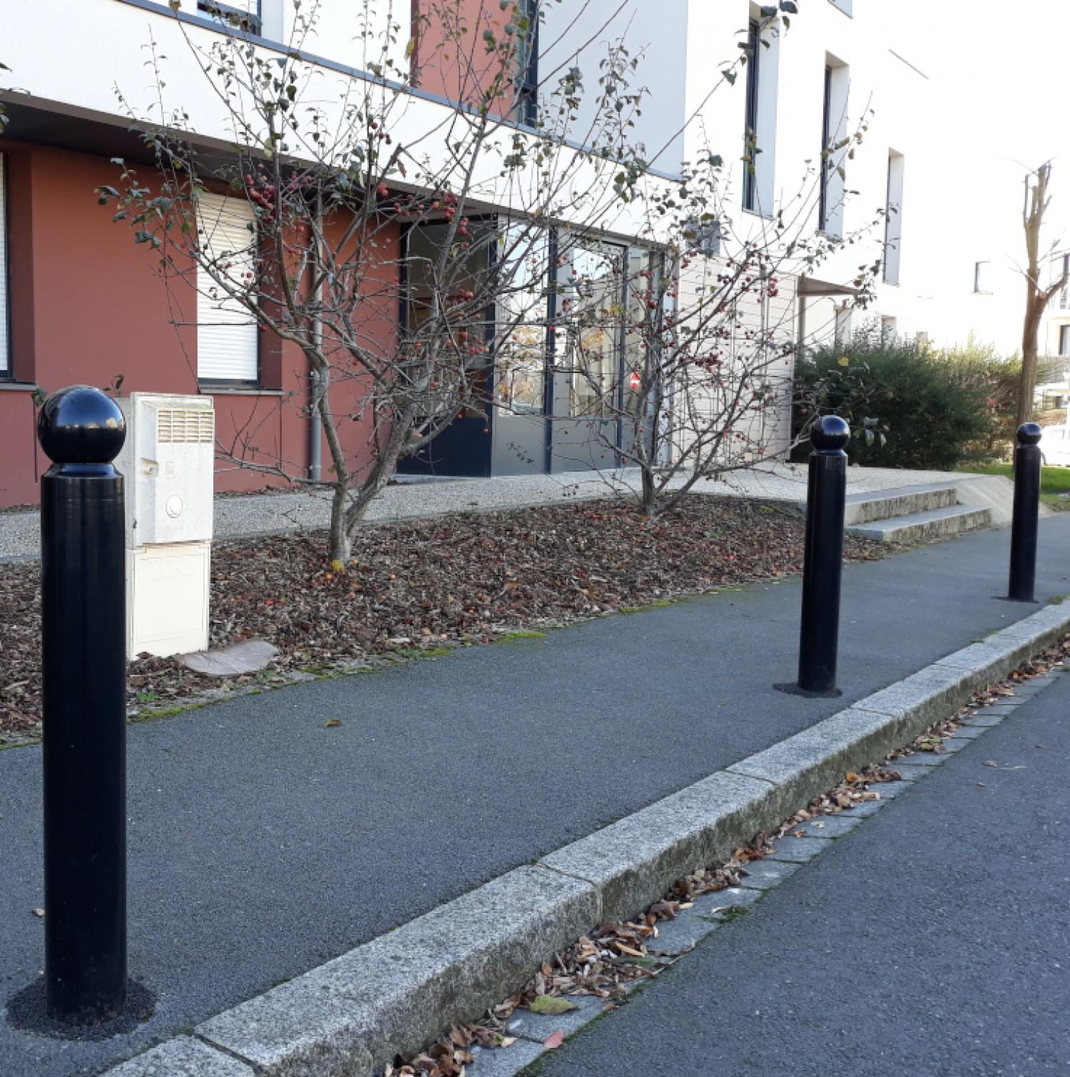 Potelet anti-stationnement Boule fixe
